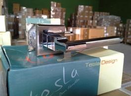 Ручка Tesla на квадраті-04