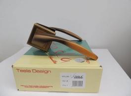 Ручка Tesla на квадраті-09