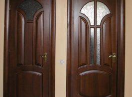 Класичні міжкімнатні двері в санвузол