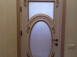 Купити двері міжкімнатні з масиву з різьбою