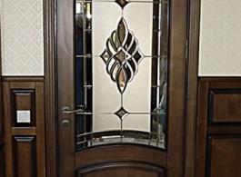 Класичні дерев'яні двері