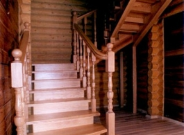 Дерев'яні сходи-01