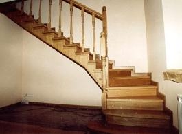 Дерев'яні сходи-02