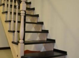Дерев'яні сходи-05