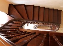 Дерев'яні сходи-08