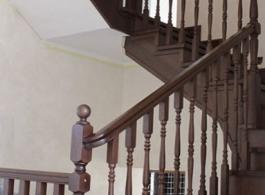 Дерев'яні сходи-09