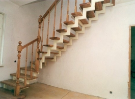 Дерев'яні сходи-10
