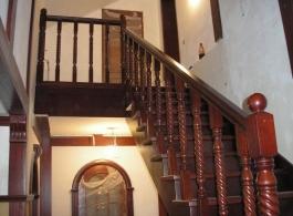 Дерев'яні сходи-14