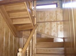 Дерев'яні сходи-17