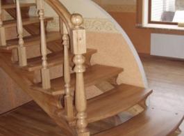 Дерев'яні сходи-19