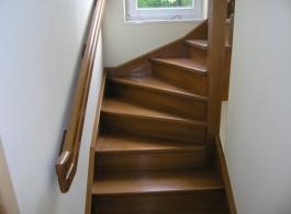 Дерев'яні сходи-23