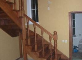Дерев'яні сходи-24