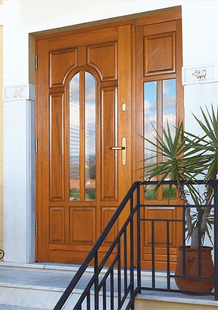 Вхідні двері з дерева від виробника