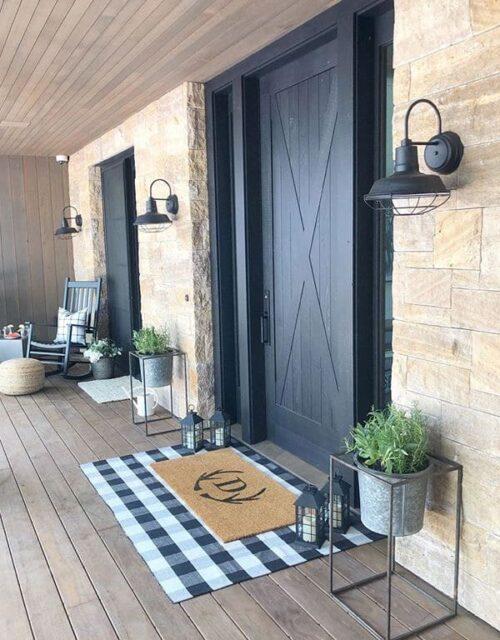 Глухі чорні вхідні двері з дерева у стилі Лофт